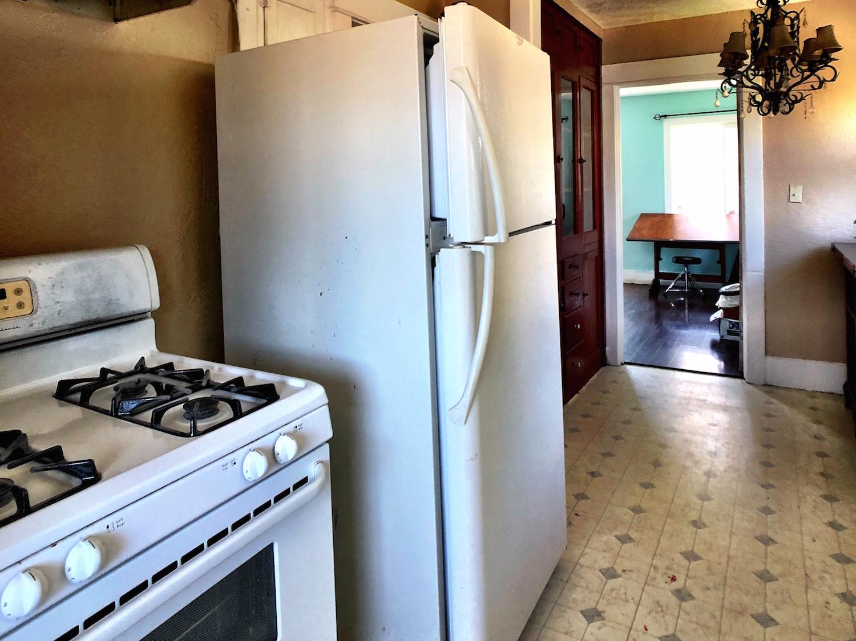 27 320A Kitchen.jpg