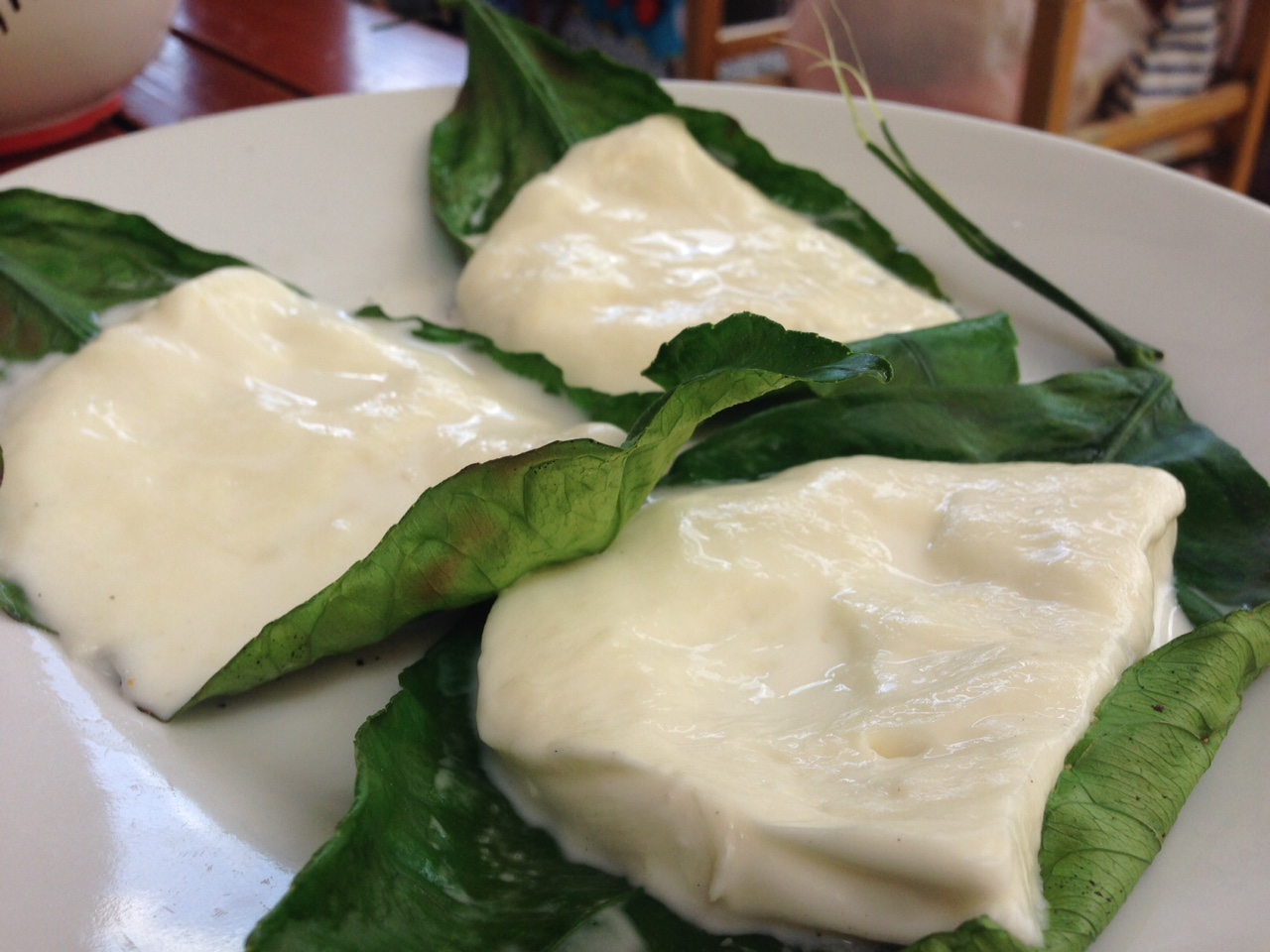 Banana leaf mozzarella