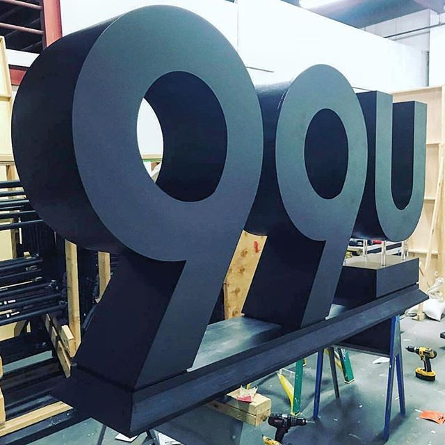 @99u has officially moved into Founders Lab! We are so thrilled to start working to rebrand for this year's aesthetic! Check out our stories in the weeks to come for more updates on the process! 🎨 🛠