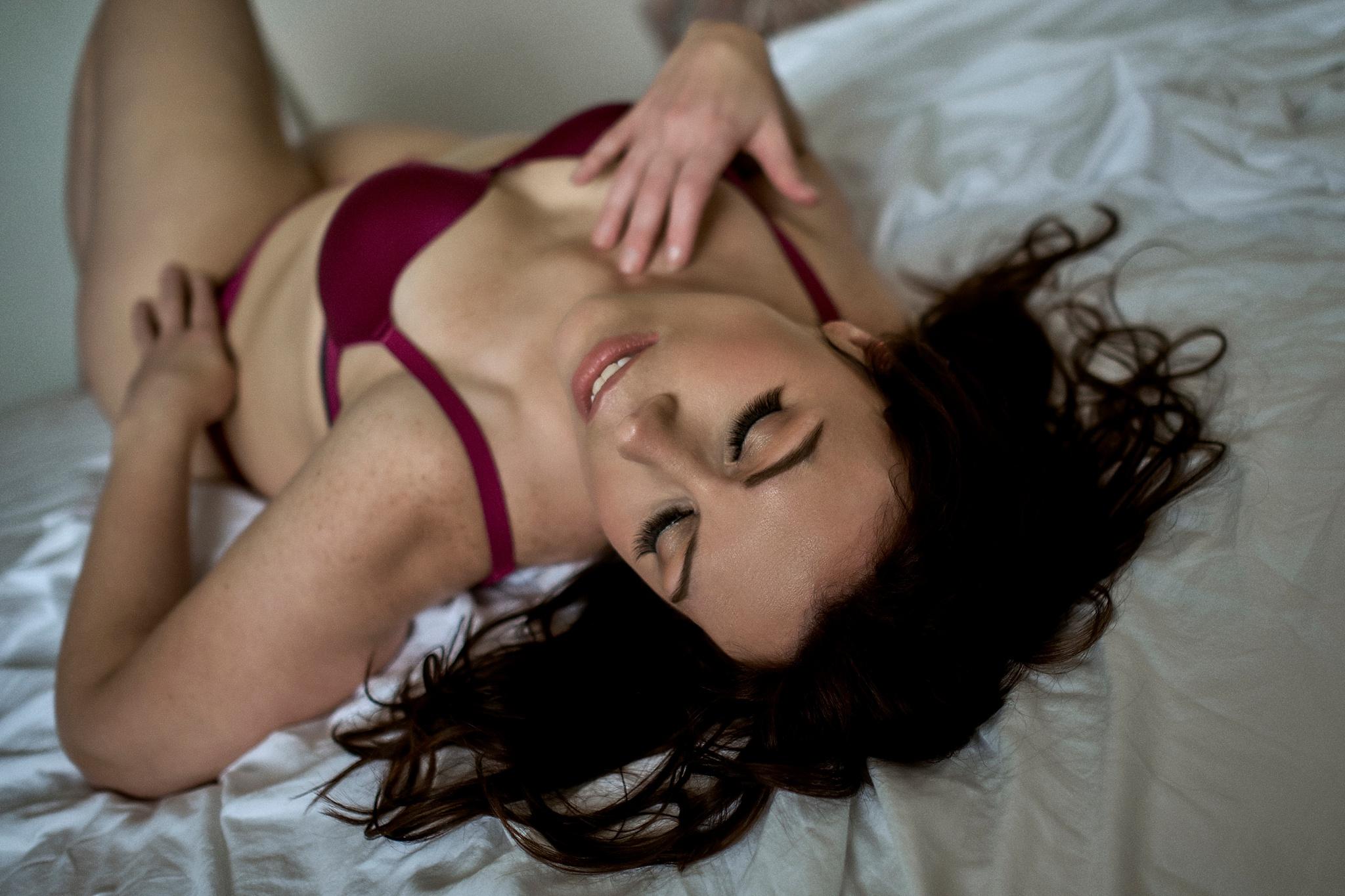 boudoir-photographer-madison wi_07.jpg