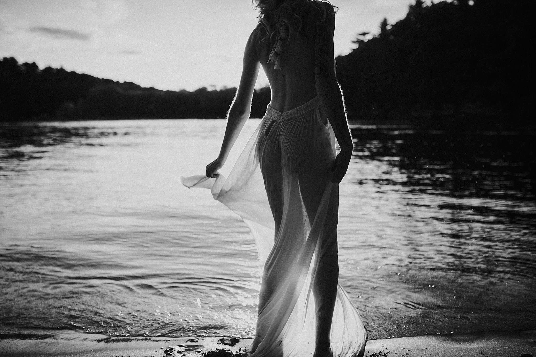 outdoor-boudoir-photographer-water_10.jpg