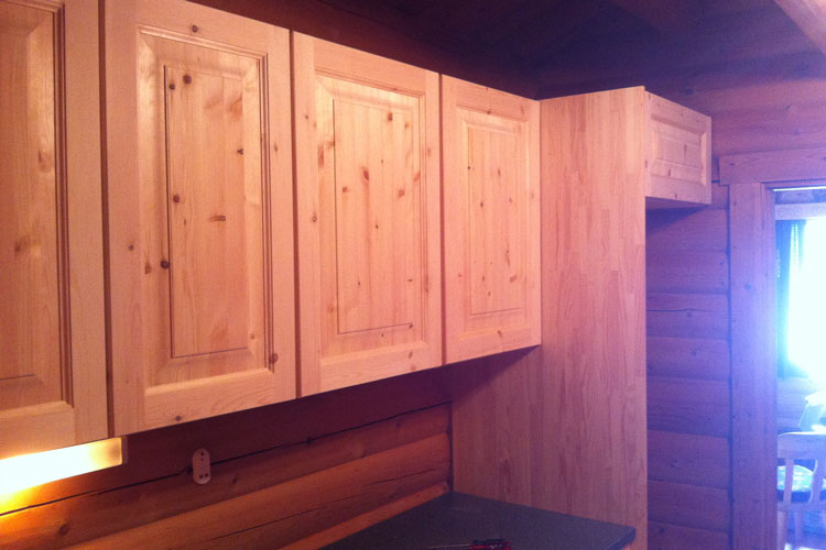 KitchenCounter06.jpg