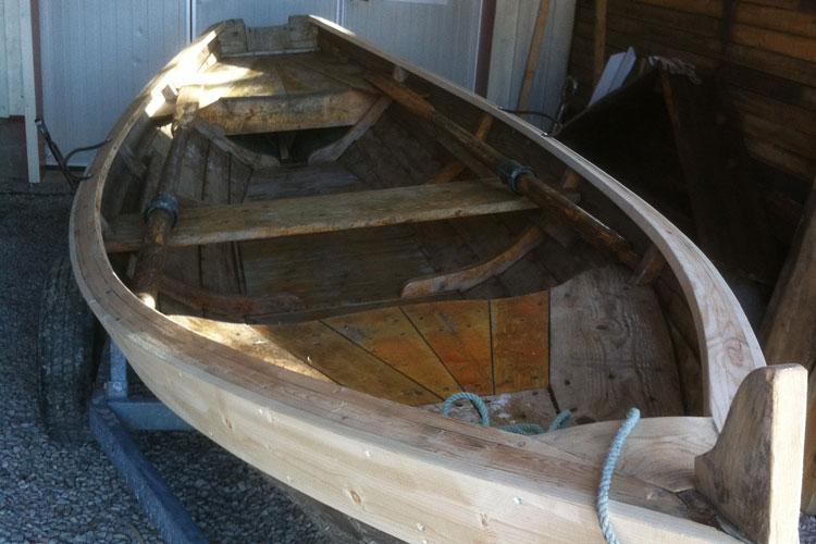 BoatRepair01.jpg