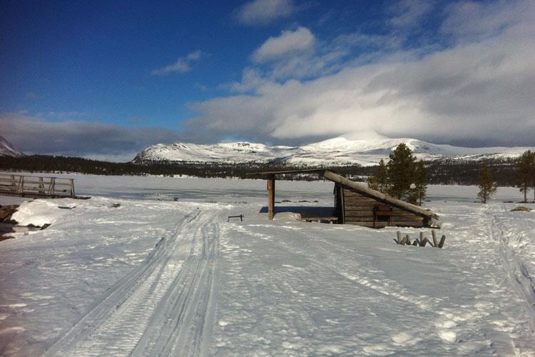 Skiing03.jpg
