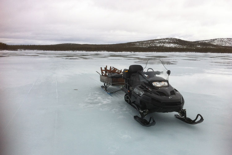 Snowmobile09.jpg