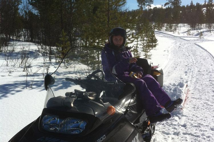 Snowmobile05.jpg