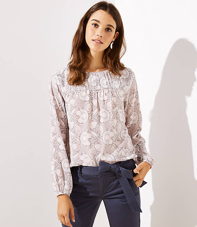 How to Build a Work Wardrobe: 4 Tops, 10 Outfits