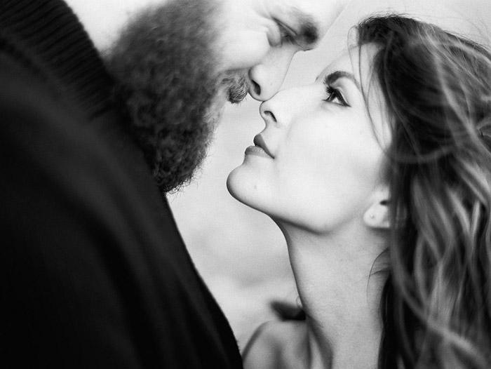 4-romantic-engagement-sessions.jpg