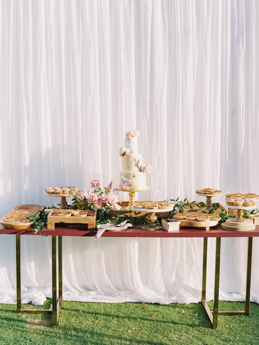 25-wedding-cake-ideas.jpg
