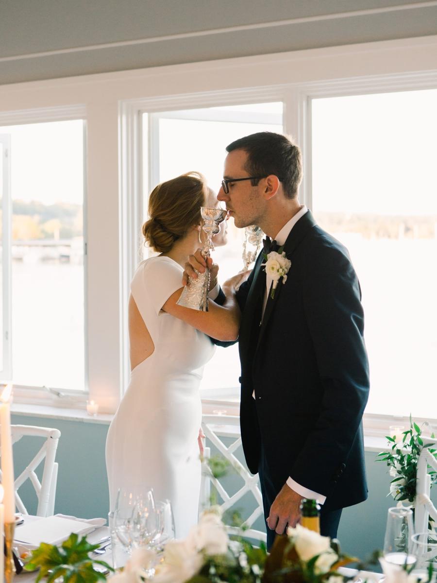 33-toasting-at-wedding.jpg