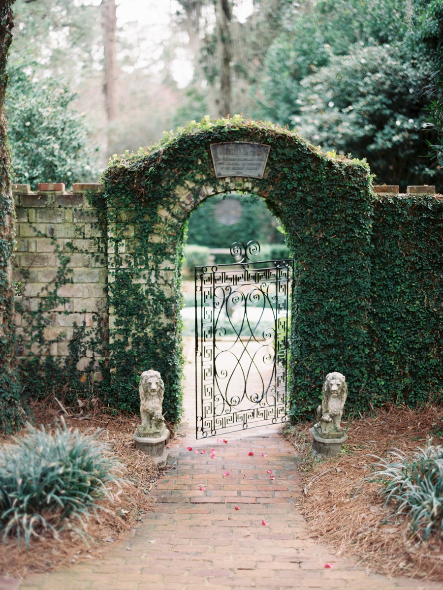05-english-garden-wedding-inspiration.jpg