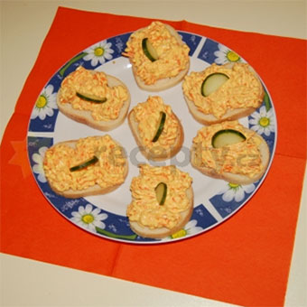 Mock Salmon (carrot) (Mrkvové) : Combine grated carrot, finely diced onion, mayonnaise, salt, and pepper in a bowl.Spread mixture over buttered bread slices and garnish with parsley, cucumber or…