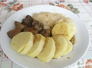 Dumplings with Sauerkraut and Pork (Knedlo Zélo Vepřo)