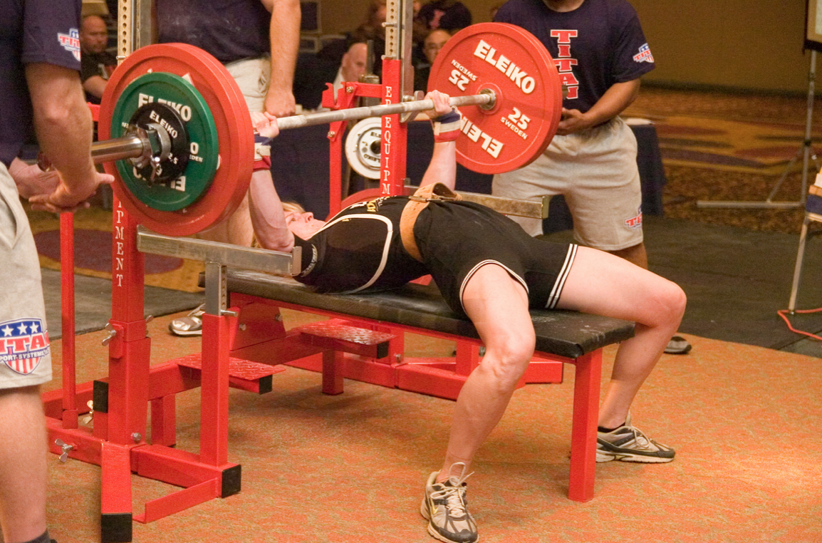 147.5kg Bench Press not even weighing in at 70kg