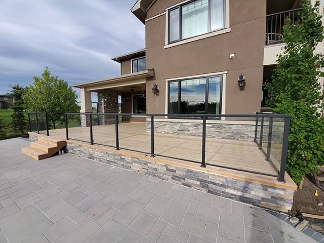 Here's a nice resurfacing we did out in spring bank. The old deck was a builder installed dura style deck which left alot to be desired. this new cedar decking should be alot more enjoyable for the years to come. #deck #yyc #springbank #deckseason #woodworking #carpentry #carpenter #cedar #cedardeck