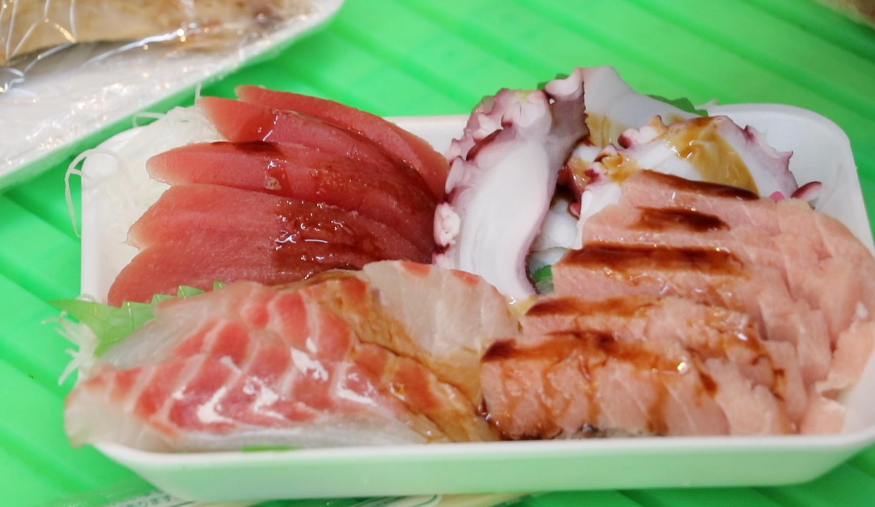 Tokyo Street Food Tour sashimi