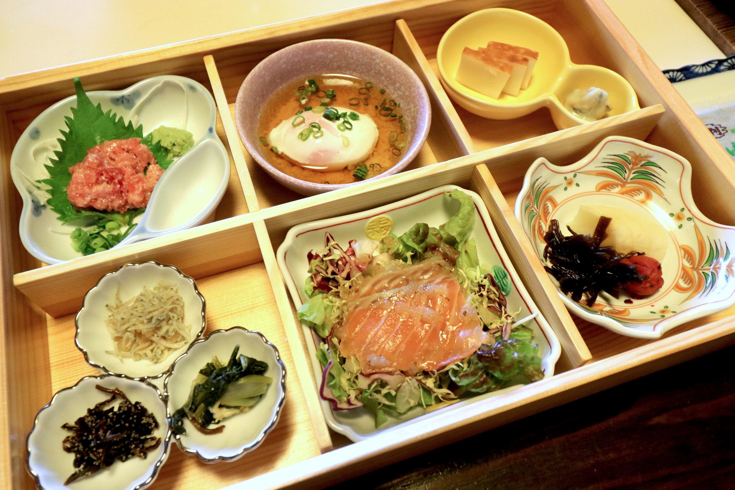 luxury onsen Tokyo breakfast