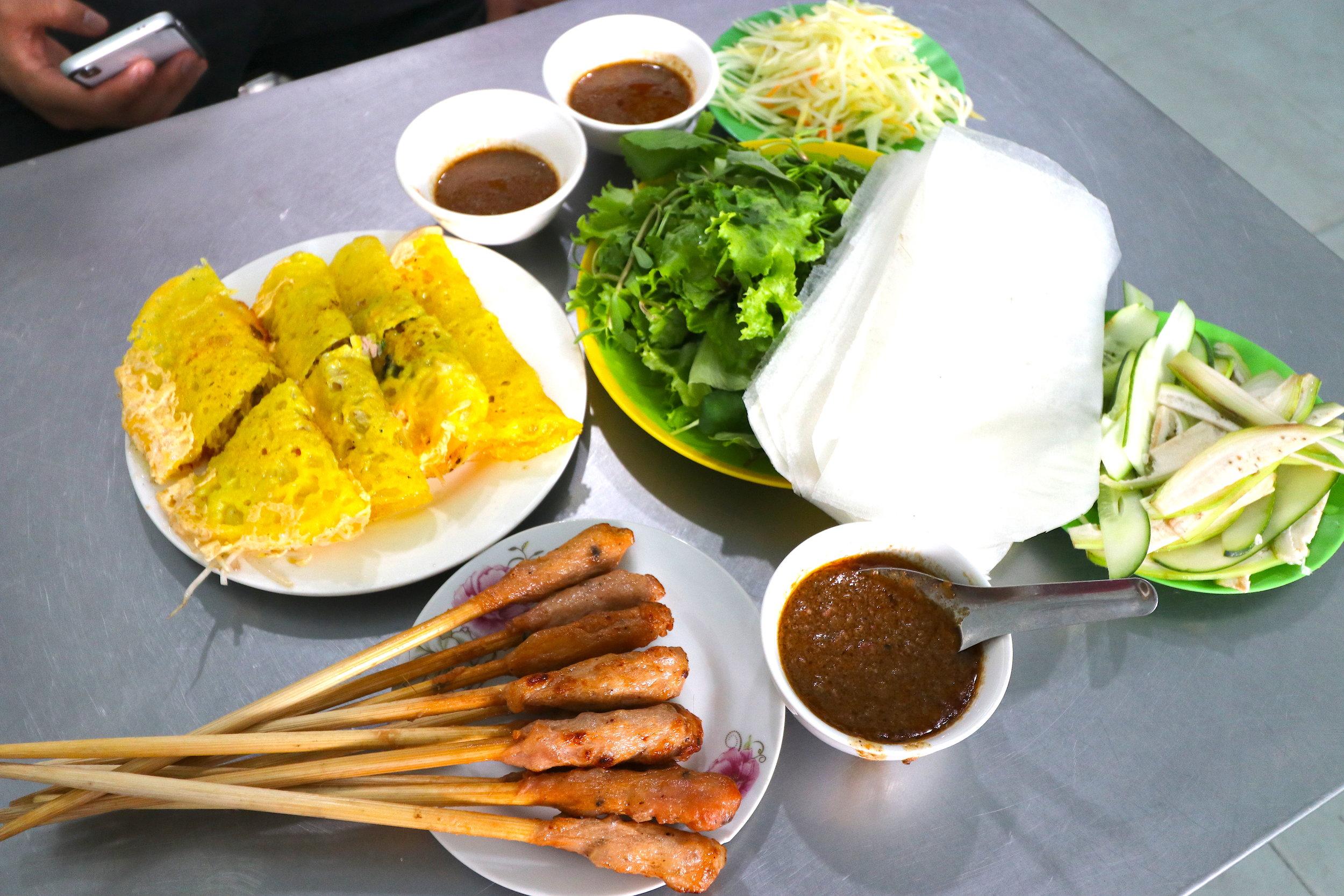 ベトナム料理 バインセオ