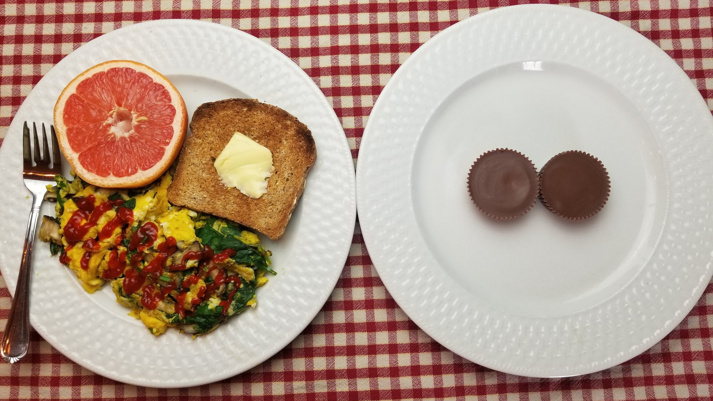 The plate on the left contains about 400 calories of food. The plate on the right also contains about 400 calories of food.