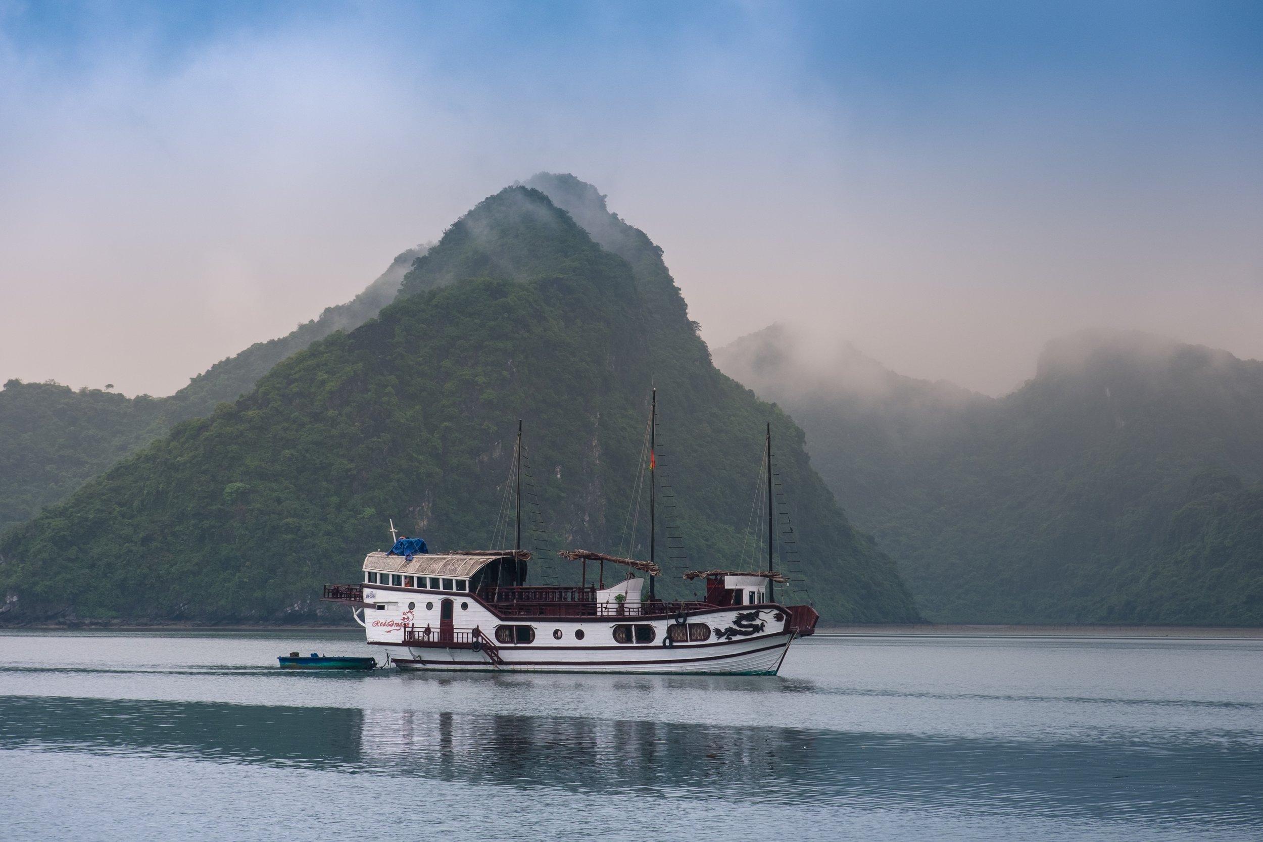 3 Weeks in Vietnam - The Ha Long Bay Cruise!