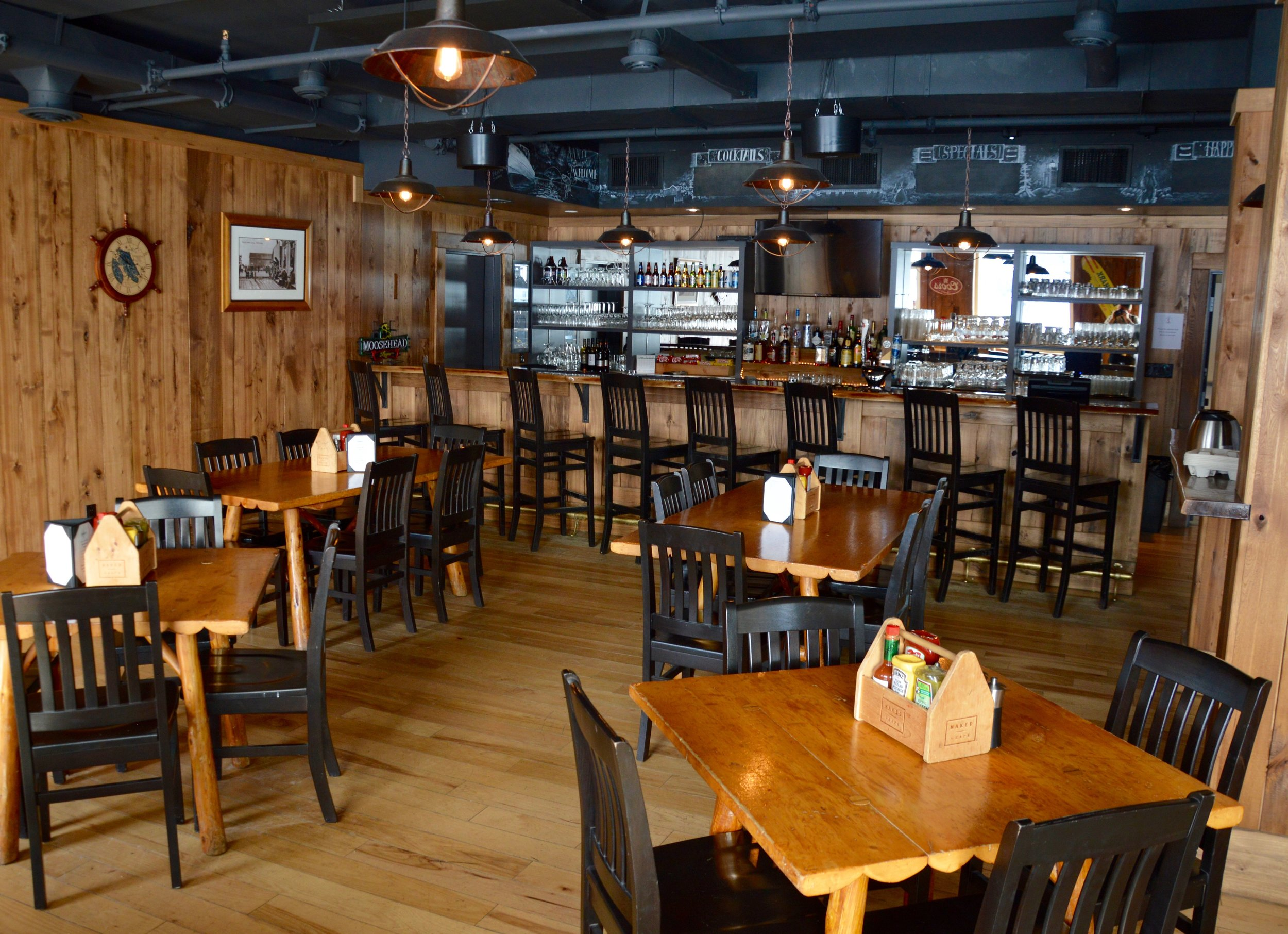 The bar at the Sportsman's Inn in Killarney, Ontario
