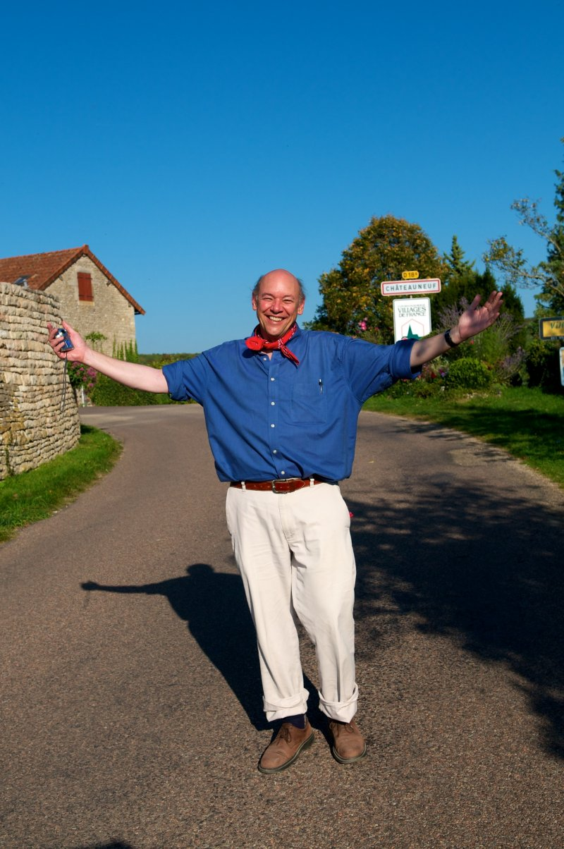 """The famous travel writer Don George in France talking about """"being a travel content writer today."""""""