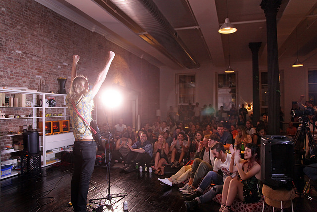 Indridi - Sofar NYC - 8.30.17 (Photo by B.A. Van Sise for the Village Voice)
