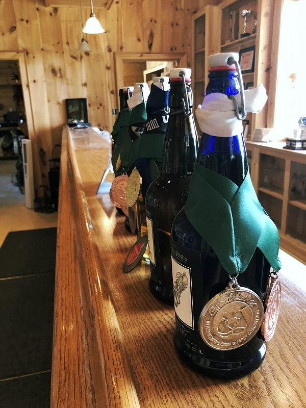 Twin Pines Orchards and Cider House in Ontario