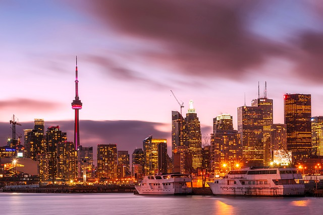 This Toronto ebook is the ultimate Toronto Trip Planner