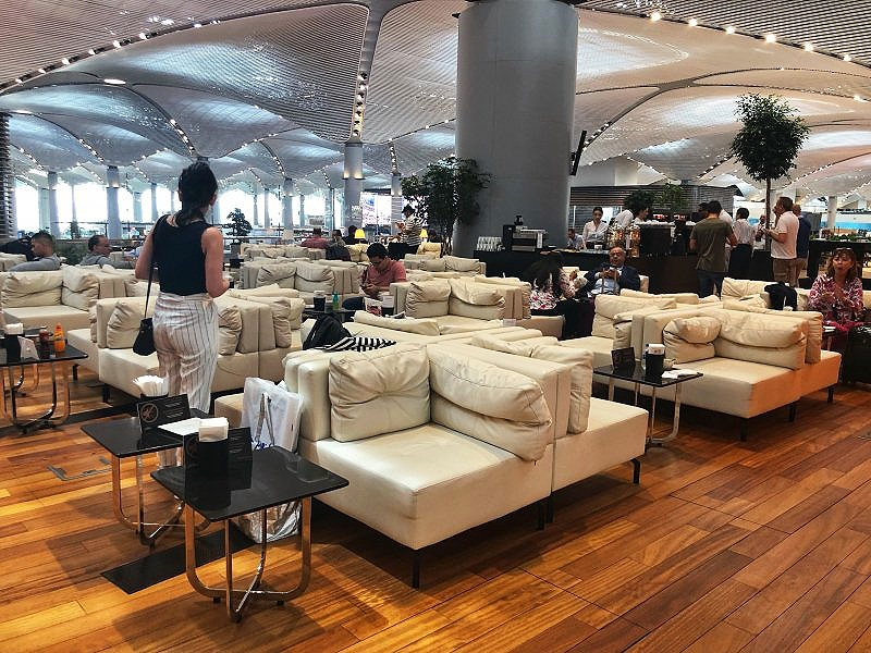 The Turkish Airlines Business Class Lounge at Istanbul Airport has high ceilings and ample seating