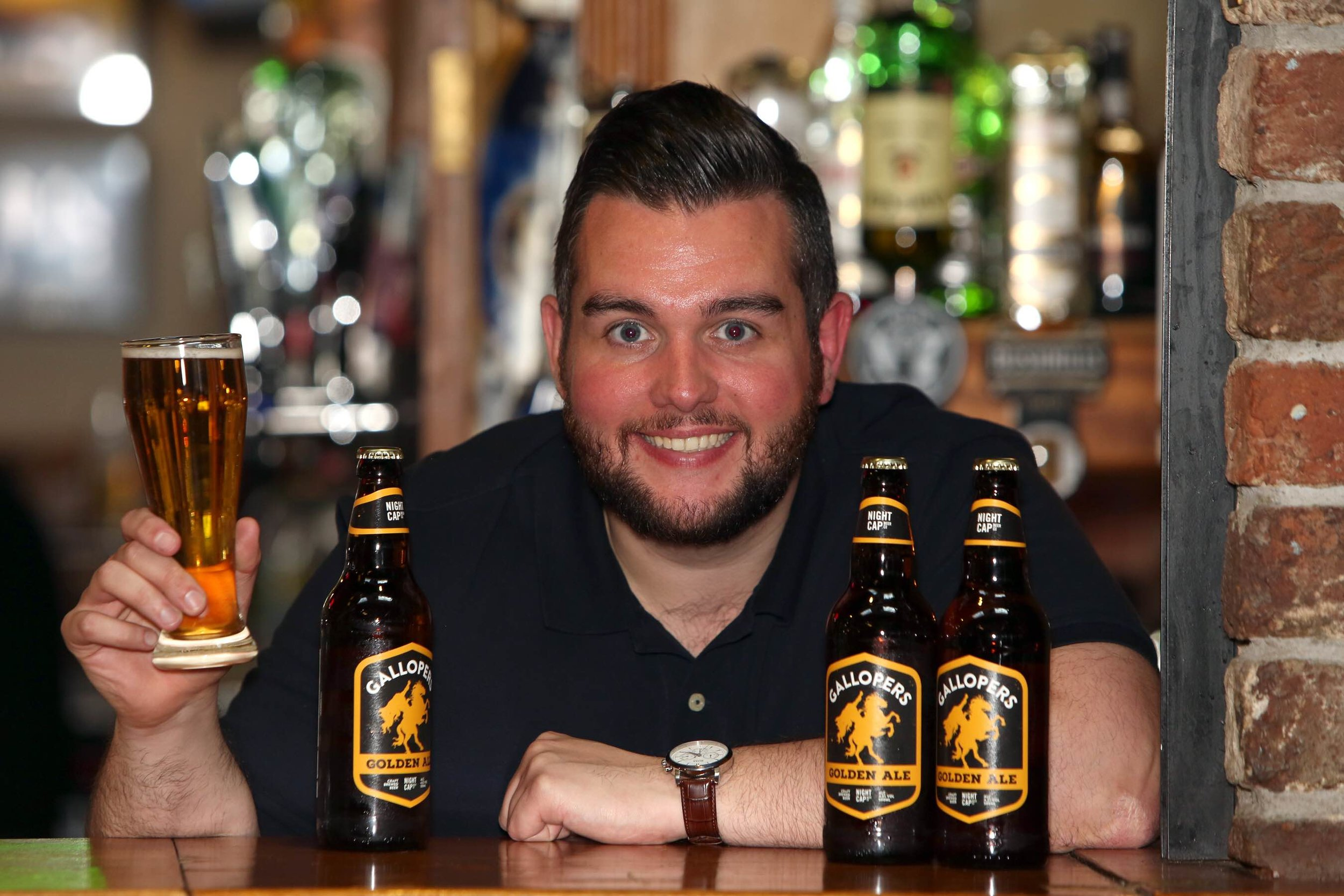 Declan Holmes launches Gallopers Craft Beer.jpg
