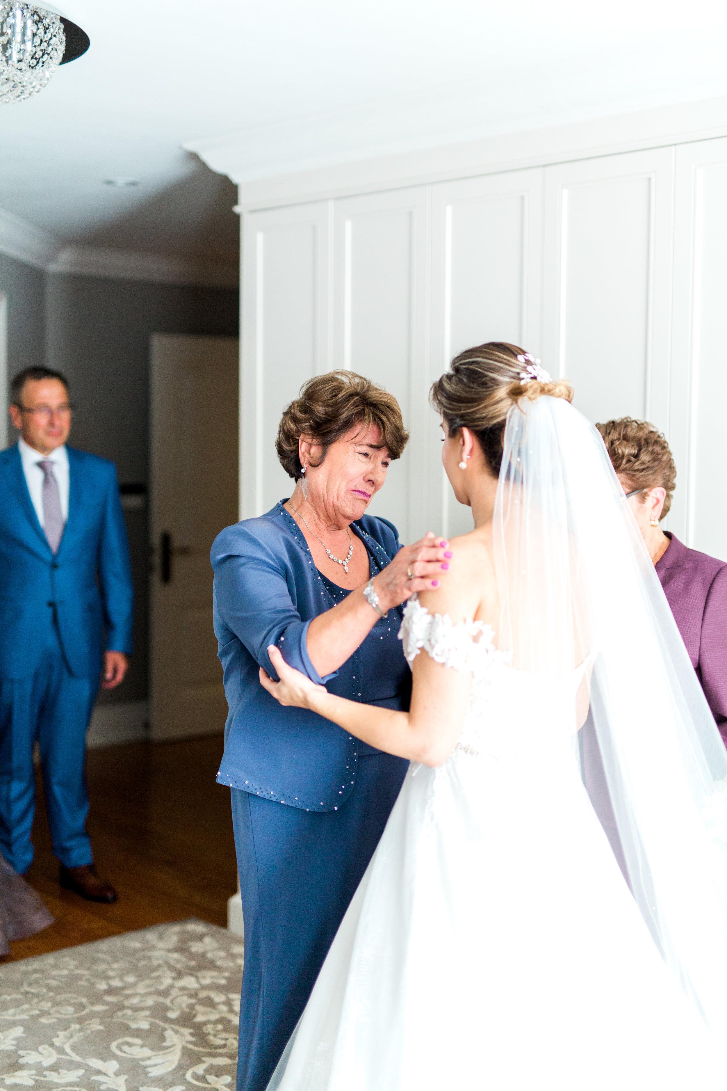 Danielle-Giroux-Amir-Golbazi-Toronto-Wedding-Photographer-Bellvue-Manor_DeLuca_1-200.jpg
