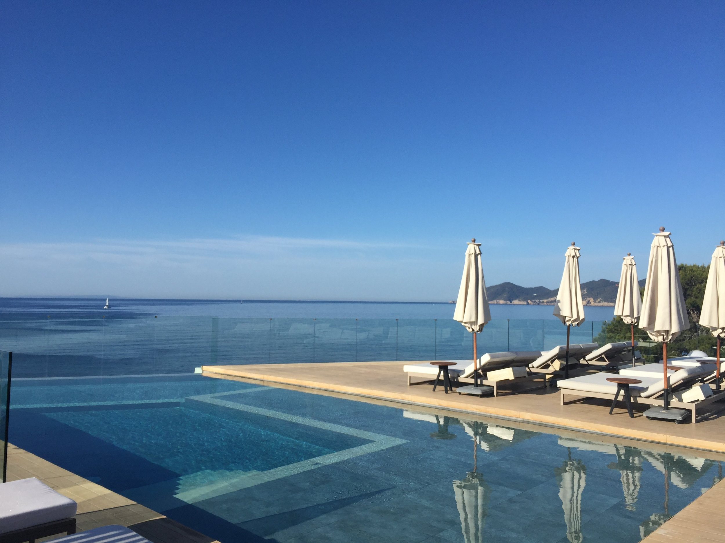 The ME rooftop pool