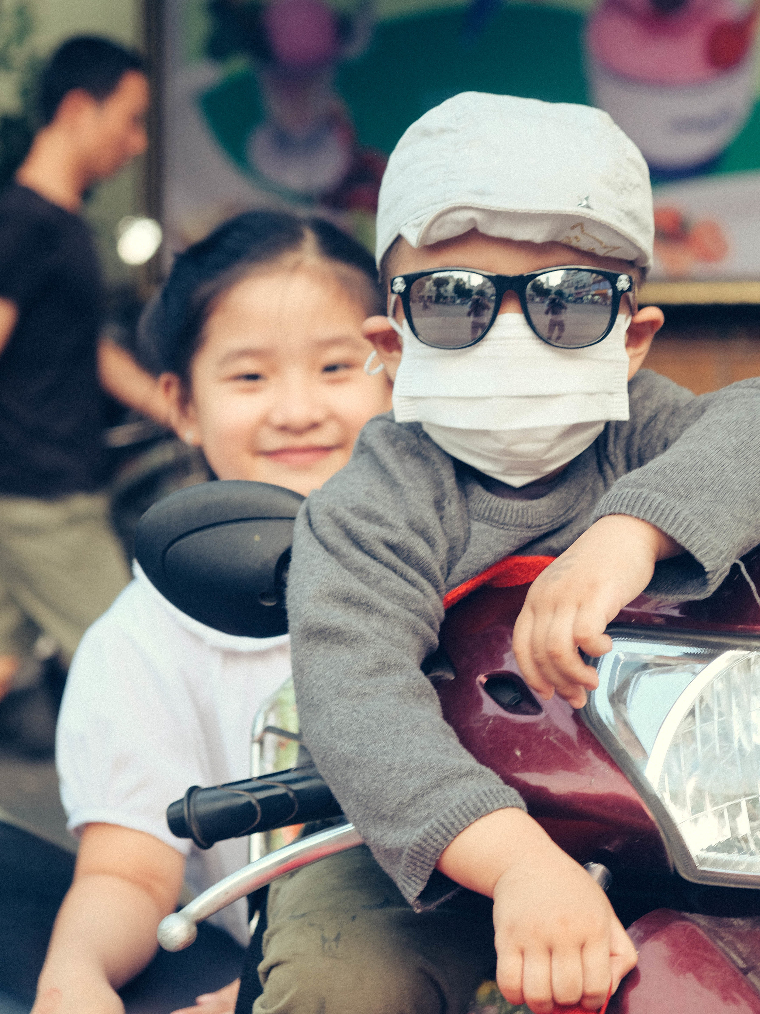 jacob-ruiz-design-photography-vietnam-kids-on-bike