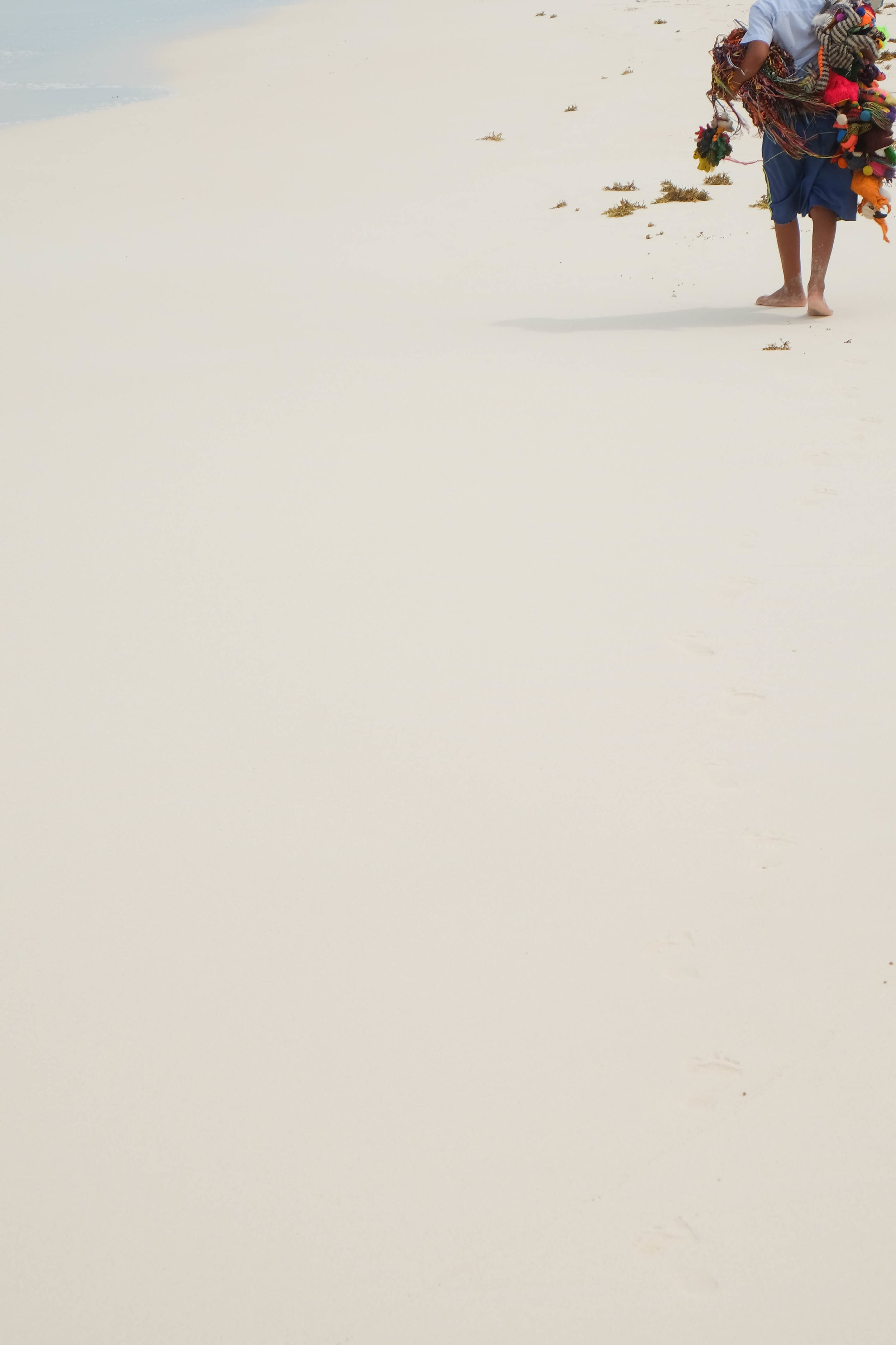 jacob-ruiz-design-photography-mexico-tulum-kid-on-beach
