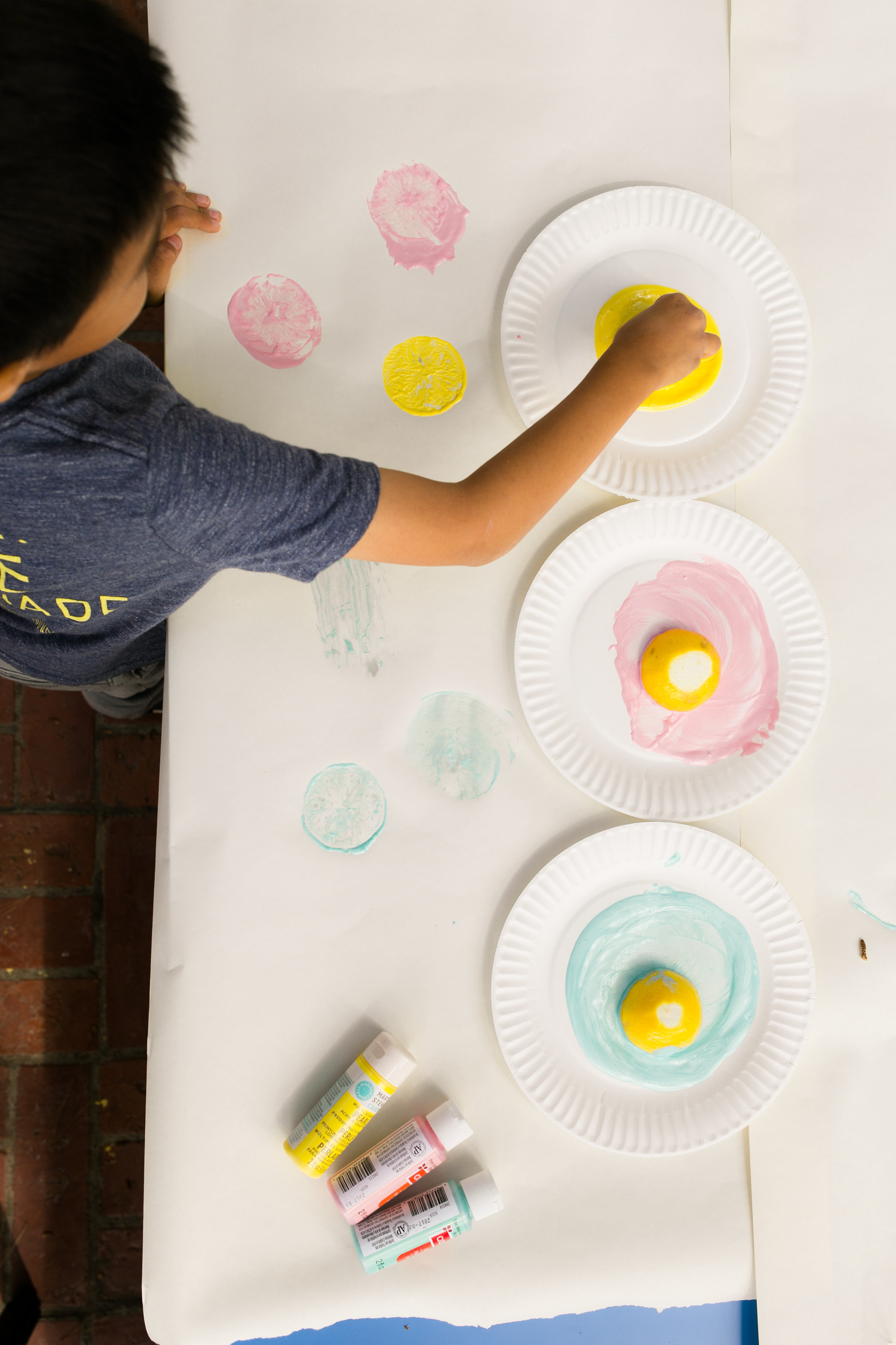 Lemonade Kids Birthday Lemon Stamping Craft - DIY Real Lemon Stamps with Paint