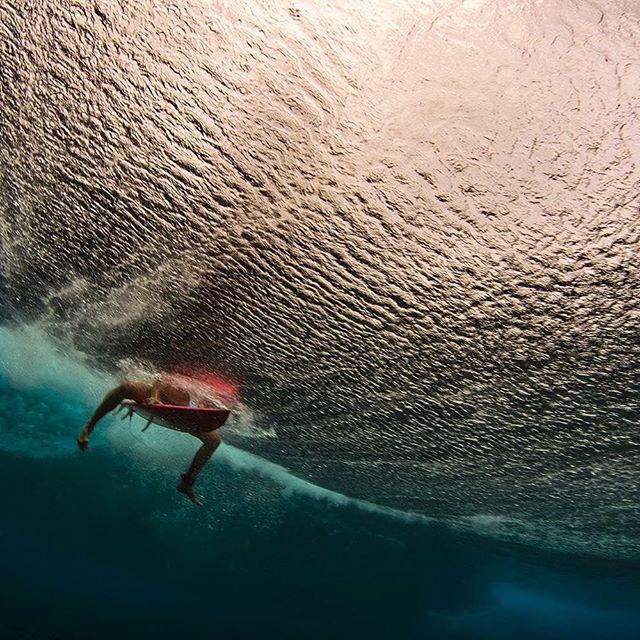 Nice Light under the Wave  #smartshot #underwater #mermaid #tahiti #vahine #surf
