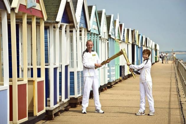 Southwold torch relay, 2012 (A5360)