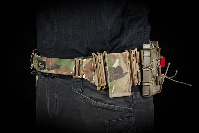 Each pouch constitutes a separate quick release module