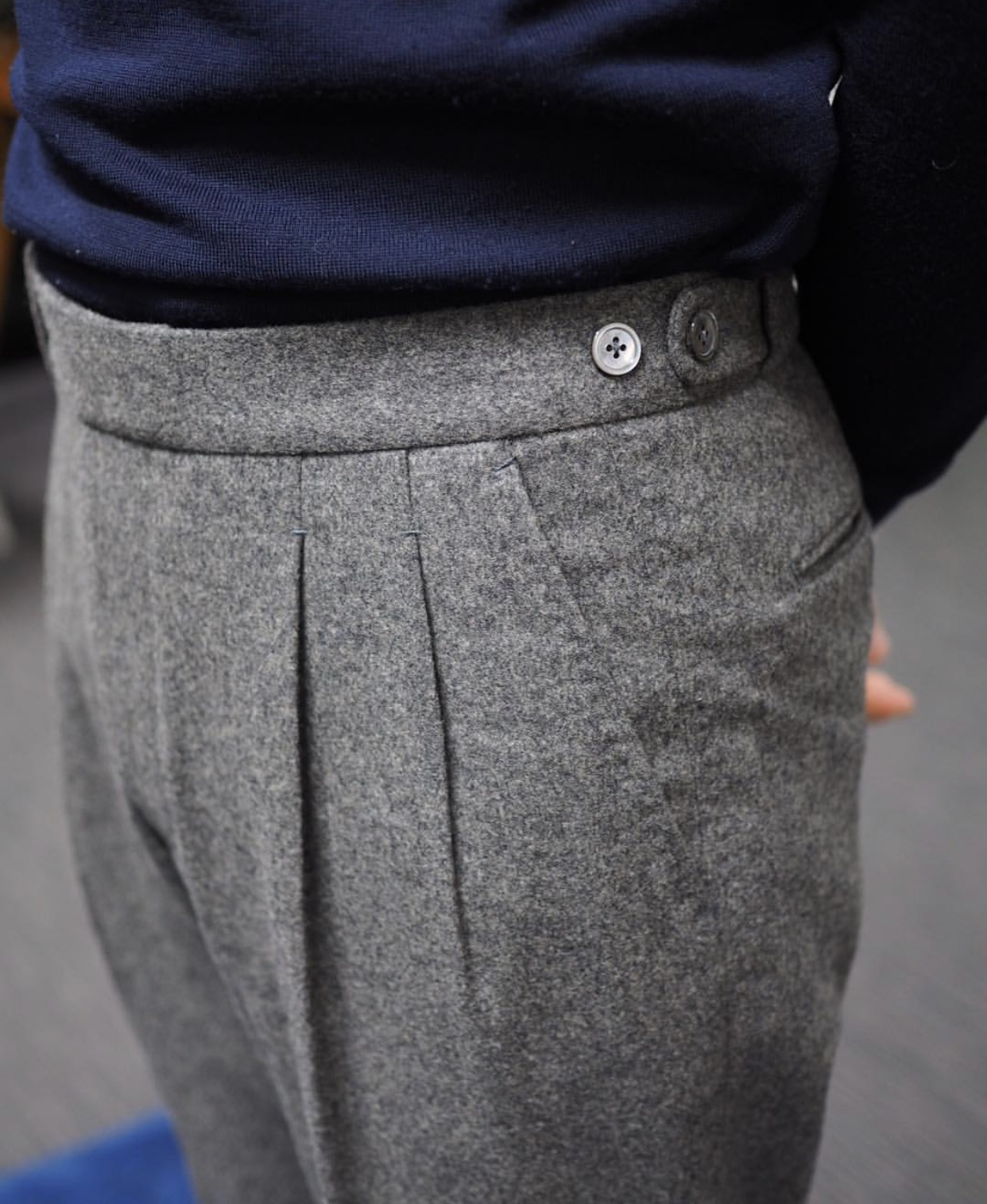 Fox Brothers double reverse pleats with button side adjusters
