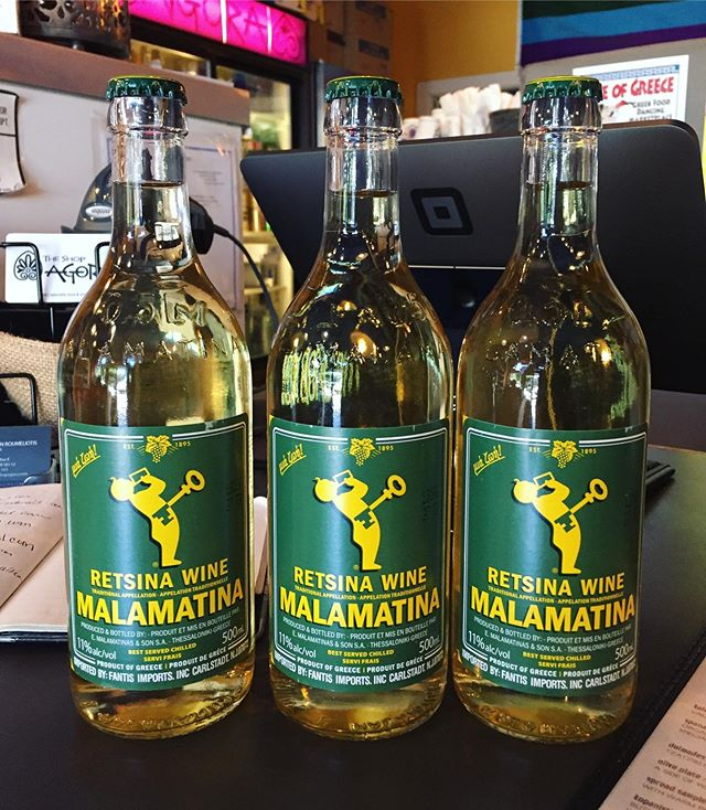 Fermented with a small amount of pine resin. Real zippy acidity and a nice pine flavor. Feels very PNW even though they're from Greece. Any WA retsina out there? Thanks @theshopagora