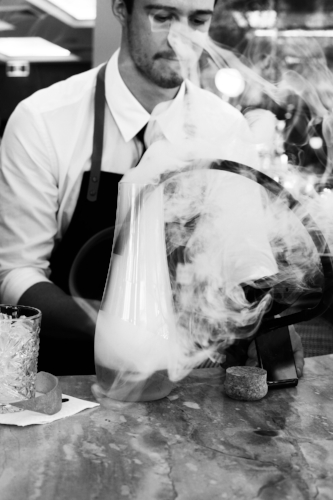 Our bespoke menu's can be designed with innovative techniques including smoke, dry ice & liquid nitrogen.