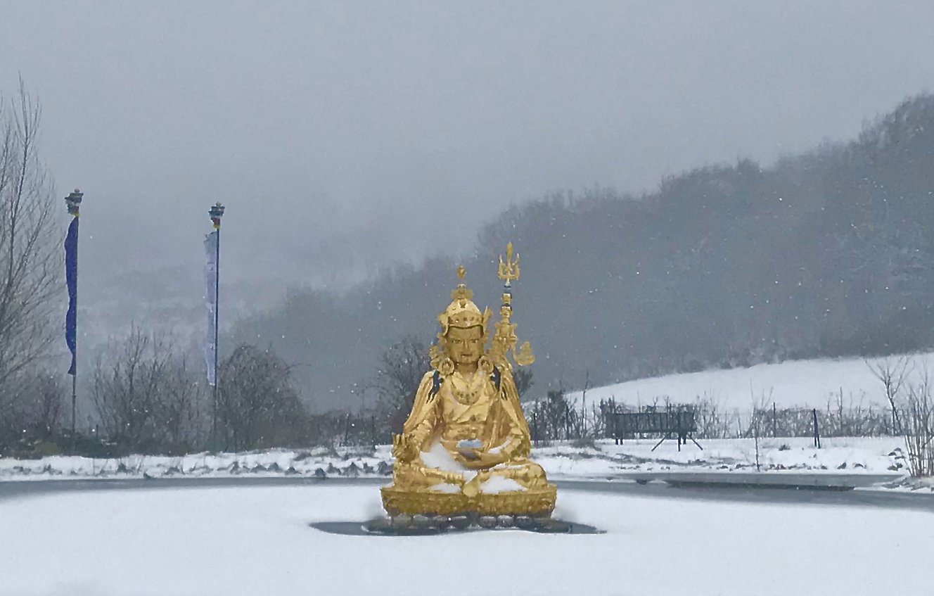 GuruRinpoche-snow.jpg