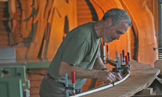 Leon Sadubin, master woodworker.Image courtesy of  http://www.leonsadubin.com.au
