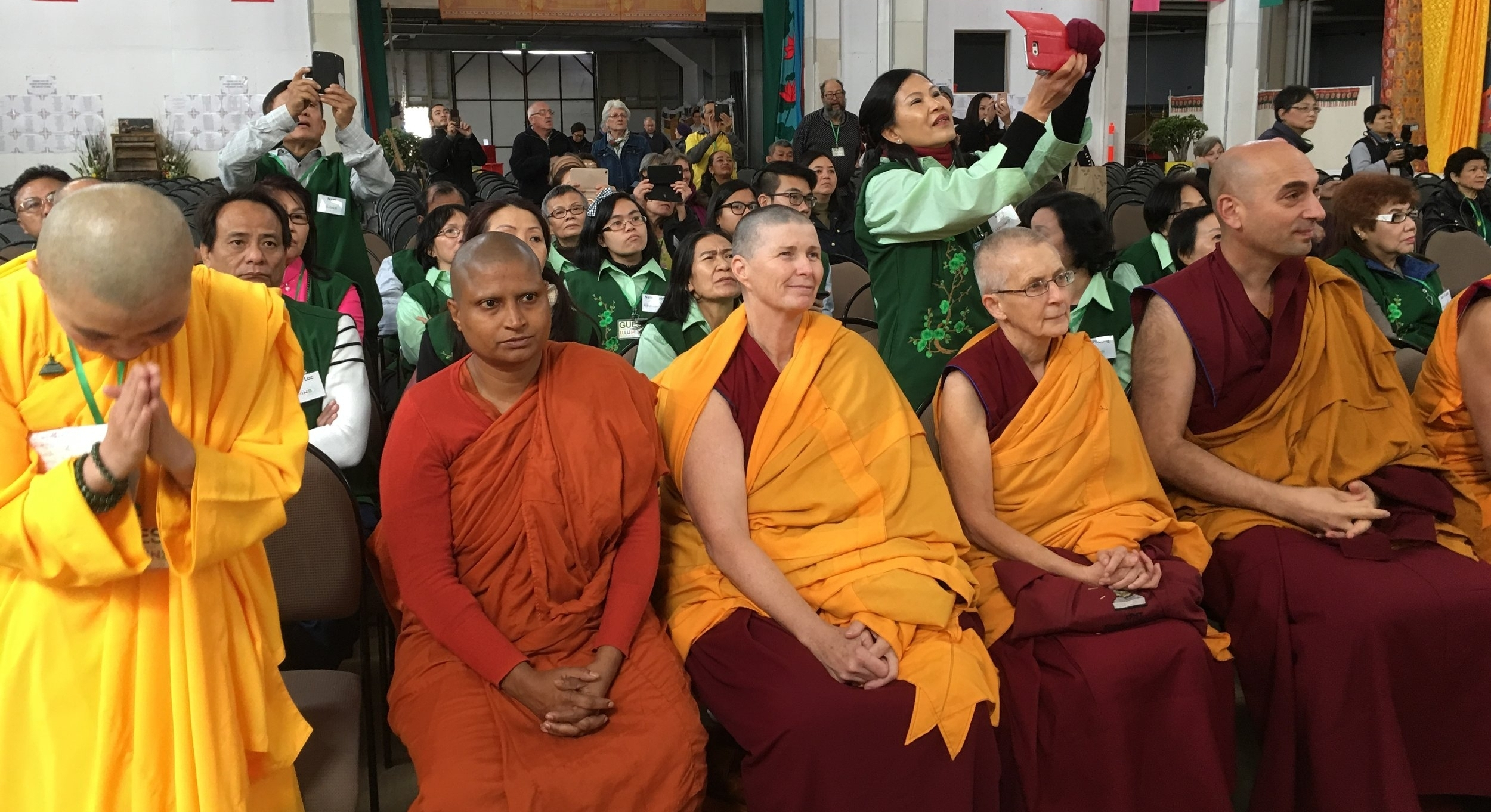 Buddhist Nuns and Monks waiting the unveiling of the Jade Buddha