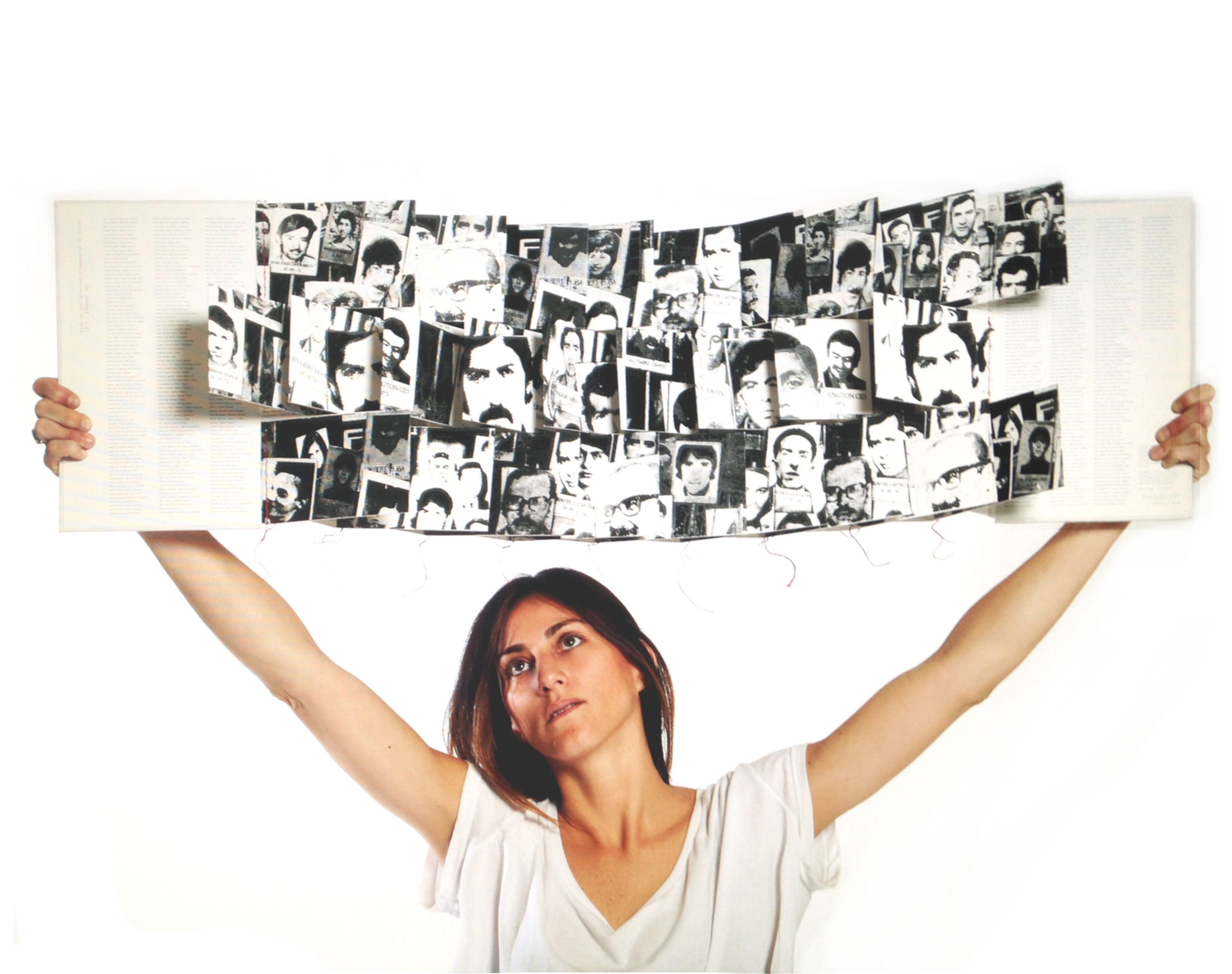 Artist Book,  In Their Memory. Human Rights Violations in Chile , 1973-1990. Photo: Revista Diseña Universidad Catolica de Chile