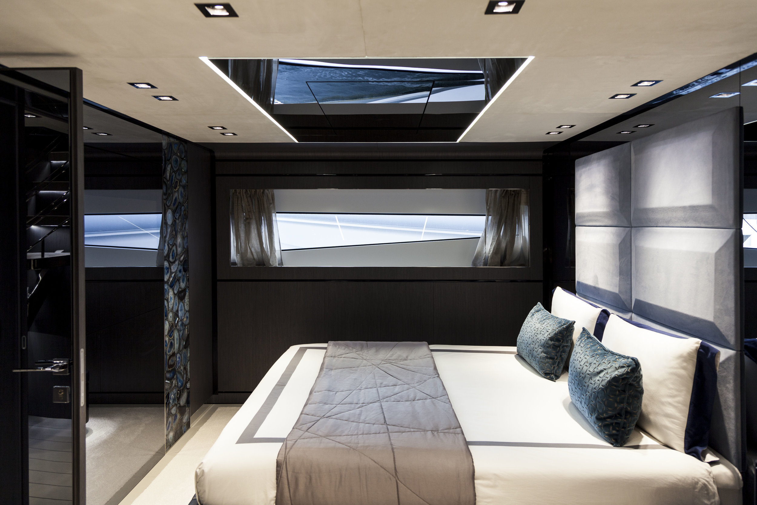 DOMINATOR ILUMEN 28M - CADET V - INTERIOR DESIGN AND PHOTO BY LUCA CATINO (11).jpg