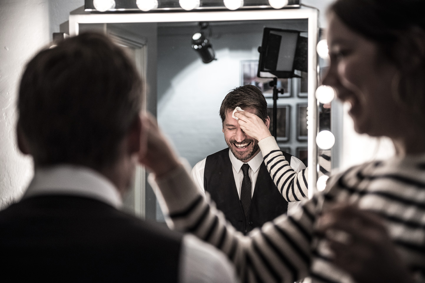 Yes, we know! – This is Nikolaj Coster Waldau in our makeup chair. ;-)