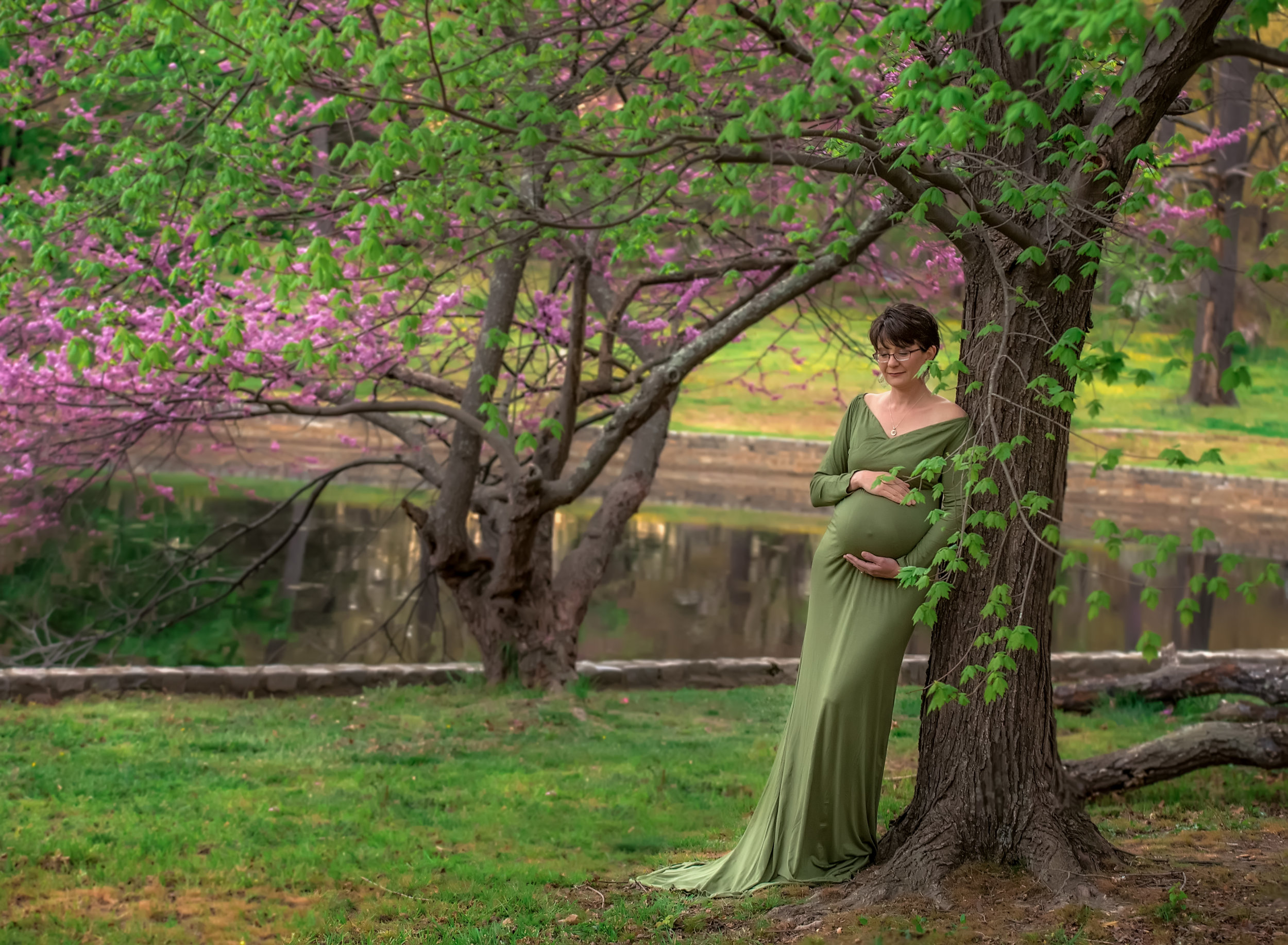 Green floral spring maternity portrait at bryan park in richmond virginia