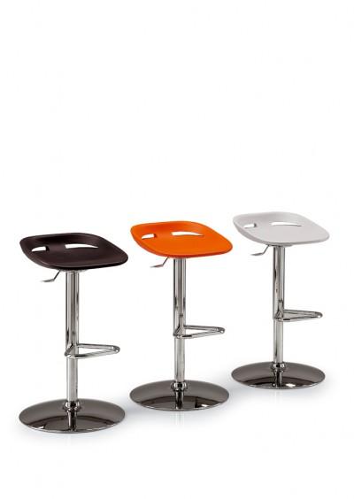 Kastel_klou_stool.jpg